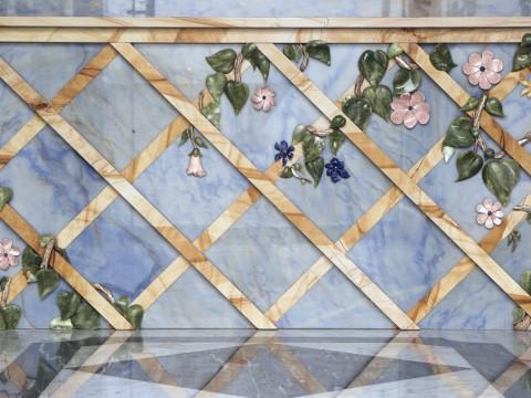 Mosaico tridimensionale in marmo lavorato a mano