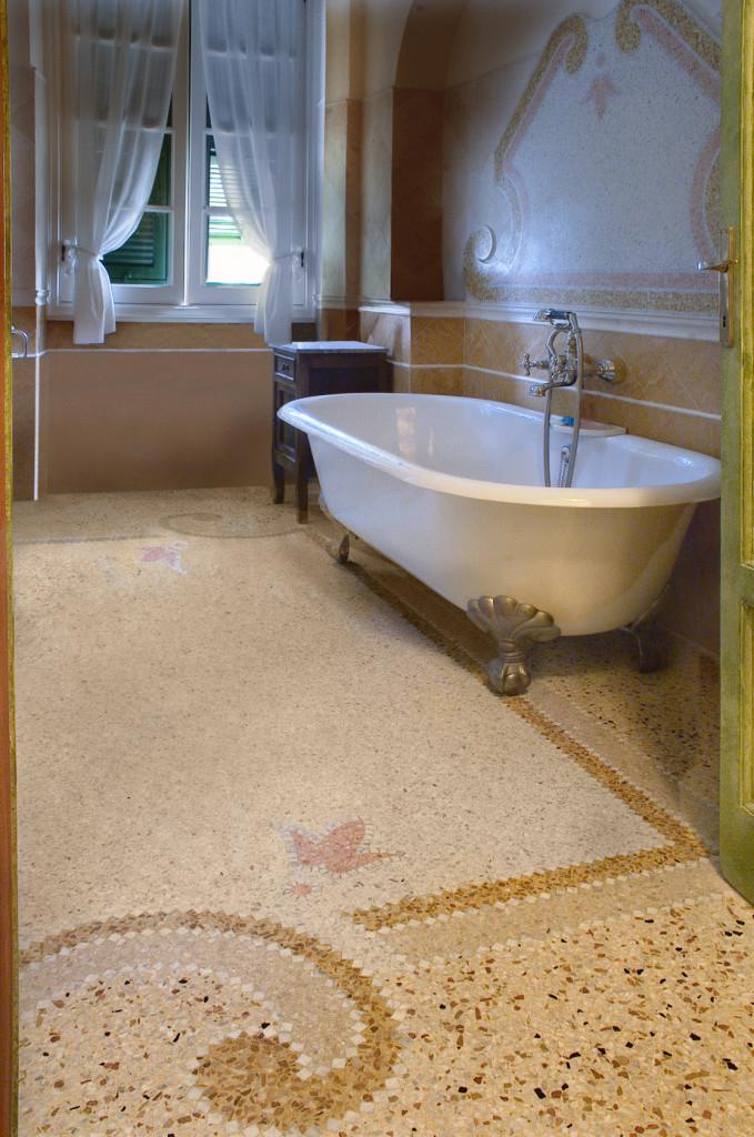 Vigo mosaici arredo bagno in graniglia alla genovese con vasca devon and devon - Mosaico pavimento bagno ...