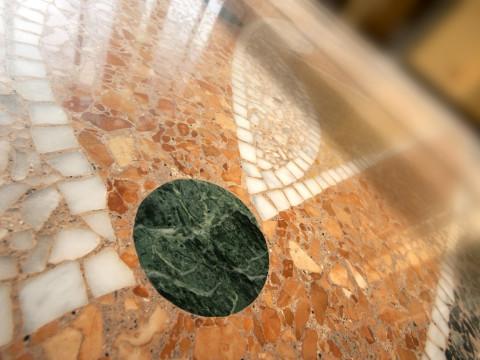 Pavimento alla veneziana con intarsio di marmo