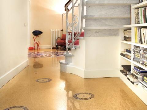 Liguran Riviera Villa: marble grit floor