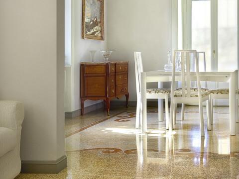 Hall floor: Marble grit floor alla Genovese
